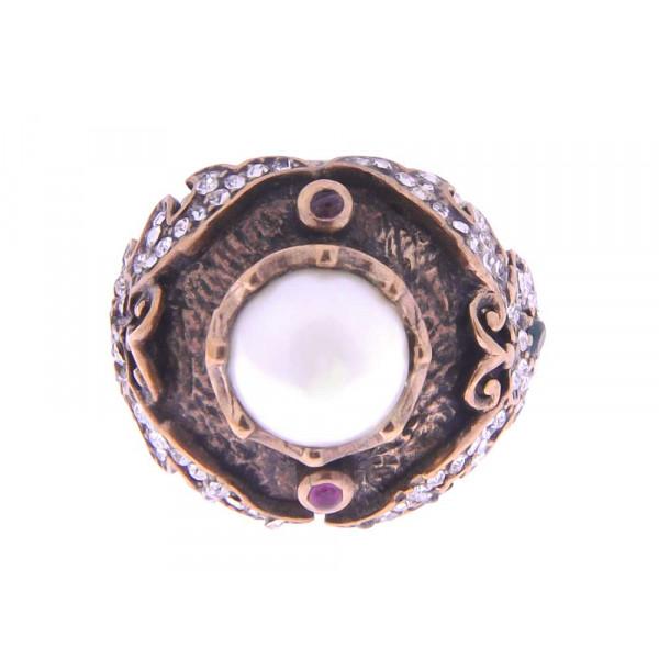 Δαχτυλίδι γυναικείο από τη Greek Roman Collection με Swarovski, 2 Ρουμπιλίτες και μία πέρλα 11.00mm